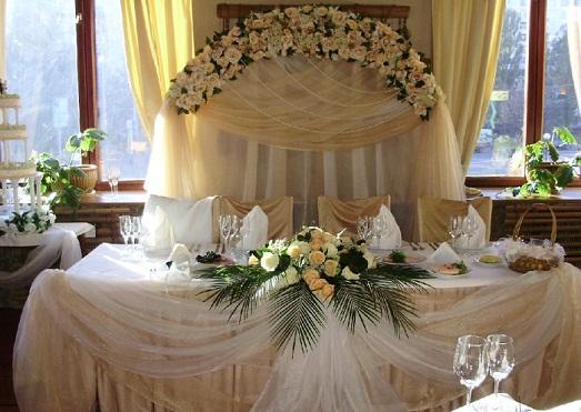 Стол на свадьбу фото своими руками